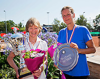Netherlands, Amstelveen, August 23, 2015, Tennis,  National Veteran Championships, NVK, TV de Kegel,  awards ceremony lady's 55+ :  Winner Nora Blom (L) and runner up Saskia Riechers-Dijkgraaf<br /> Photo: Tennisimages/Henk Koster