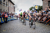 Peter Sagan (SVK/Bora-Hansgrohe) up the Oude Kwaremont shadowed all the way up by <br /> <br /> 101th Ronde Van Vlaanderen 2017 (1.UWT)<br /> 1day race: Antwerp › Oudenaarde - BEL (260km)
