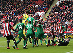 Jamal Blackman of Sheffield Utd comes up in the last minute for a corner during the championship match at the Bramall Lane Stadium, Sheffield. Picture date 28th April 2018. Picture credit should read: Simon Bellis/Sportimage