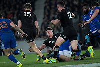 Scott Barrett pops a pass to his brother Jordie during the Steinlager Series international rugby match between teh New Zealand All Blacks and France at Eden Park in Auckland, New Zealand on Saturday, 9 June 2018. Photo: Dave Lintott / lintottphoto.co.nz