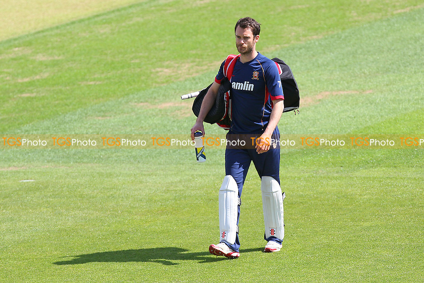James Foster of Essex walks back from the warm-up - Hampshire CCC vs Essex CCC - LV County Championship Division Two Cricket at the Ageas Bowl, West End, Southampton - 17/06/14 - MANDATORY CREDIT: Gavin Ellis/TGSPHOTO - Self billing applies where appropriate - 0845 094 6026 - contact@tgsphoto.co.uk - NO UNPAID USE