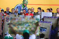 SAO PAULO, SP, 19.12.2013 - EXPO-CATADORES / DILMA ROUSSEFF - A presidente da Republica Dilma Rousseff durante encontro com Catadores de Materiais Recicláveis e com População em Situação de Rua no Anhembi - Centro de Exposições Pavilhão Oeste na regiao norte de Sao Paulo , nesta quinta-feira, 19. (Foto: Vanessa Carvalho / Brazil Photo Press).+