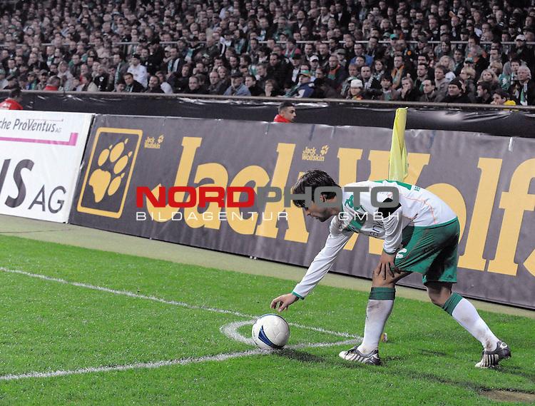 UEFA CUP 2008/2009<br /> Viertelfinale 1/4 Weserstadion 09.04.2009<br /> Werder Bremen (GER) - Udinese Calcio (ITA) 3:1 ( 1:0 )<br /> <br /> Diego ( Bremen BRA #10 ) bei der Vorbereitung einer Ecke<br /> <br /> <br /> Foto &copy; nph (  nordphoto  )