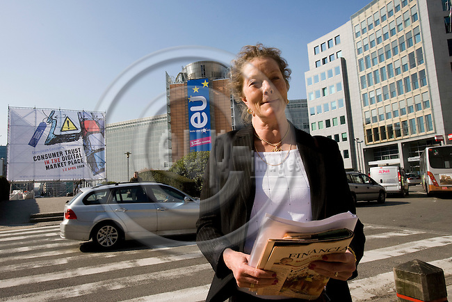 BRUSSELS - BELGIUM - 02 APRIL 2009 -- Eva SREJBER, Vice-President of the European Investment Bank (EIB), standing at Rond Point Schuman with the EU Commission building behind her. Photo: Erik Luntang/EUP-IMAGES