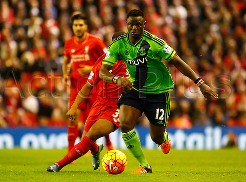 25.10.2015. Anfield, Liverpool, England. Barclays Premier League. Liverpool versus Southampton. Southampton's Victor Wanyama on the ball.
