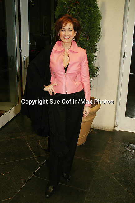 OLTL's Robin Strasser at the 16th Annual Feast with Famous Faces to benefit the League for the Hard of Hearing on October 27, 2008 at Pier Sixty at Chelsea Piers, New York City, New York. (Photo by Sue Coflin/Max Photos)