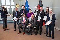 Der Wehrbeauftragte des Deutschen Bundestages, Hans-Peter Bartels (vorne links), uebergibt am Dienstag den 20. Februar 2018 seinen Jahresbericht 2017 an Bundestagspraesident Wolfgang Schaeuble (vorne rechts).<br /> Im Bild stehend vlnr.: <br /> Ruediger Lucassen (AfD);<br /> Thomas Hitschler (SPD);<br /> Anita Schaefer (CDU);<br /> Tobias Lindner (Buendnis 90/Die Gruenen);<br /> Wolfgang Helmich (SPD);<br /> Christine Buchholz (Linkspartei);<br /> Marie-Agnes Strack-Zimmermann (FDP).<br /> 20.2.2018, Berlin<br /> Copyright: Christian-Ditsch.de<br /> [Inhaltsveraendernde Manipulation des Fotos nur nach ausdruecklicher Genehmigung des Fotografen. Vereinbarungen ueber Abtretung von Persoenlichkeitsrechten/Model Release der abgebildeten Person/Personen liegen nicht vor. NO MODEL RELEASE! Nur fuer Redaktionelle Zwecke. Don't publish without copyright Christian-Ditsch.de, Veroeffentlichung nur mit Fotografennennung, sowie gegen Honorar, MwSt. und Beleg. Konto: I N G - D i B a, IBAN DE58500105175400192269, BIC INGDDEFFXXX, Kontakt: post@christian-ditsch.de<br /> Bei der Bearbeitung der Dateiinformationen darf die Urheberkennzeichnung in den EXIF- und  IPTC-Daten nicht entfernt werden, diese sind in digitalen Medien nach &sect;95c UrhG rechtlich geschuetzt. Der Urhebervermerk wird gemaess &sect;13 UrhG verlangt.]
