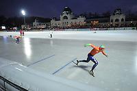 SCHAATSEN: BOEDAPEST: Essent ISU European Championships, 07-01-2012, 5000m men, start, Sven Kramer NED, ©foto Martin de Jong