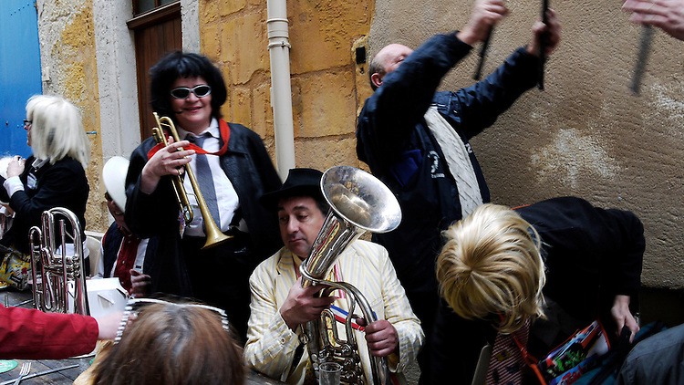 La Musique, Arles