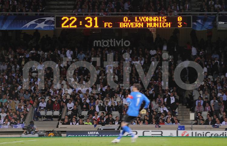 FUSSBALL  International  Champions League  Halbfinal -Rueckspiel SAISON 09/10 Olympique Lyon - FC Bayern  Muenchen      27.04.2010 Anzeigentafel zeigt den Endstand von 3-0 für den FC Bayern