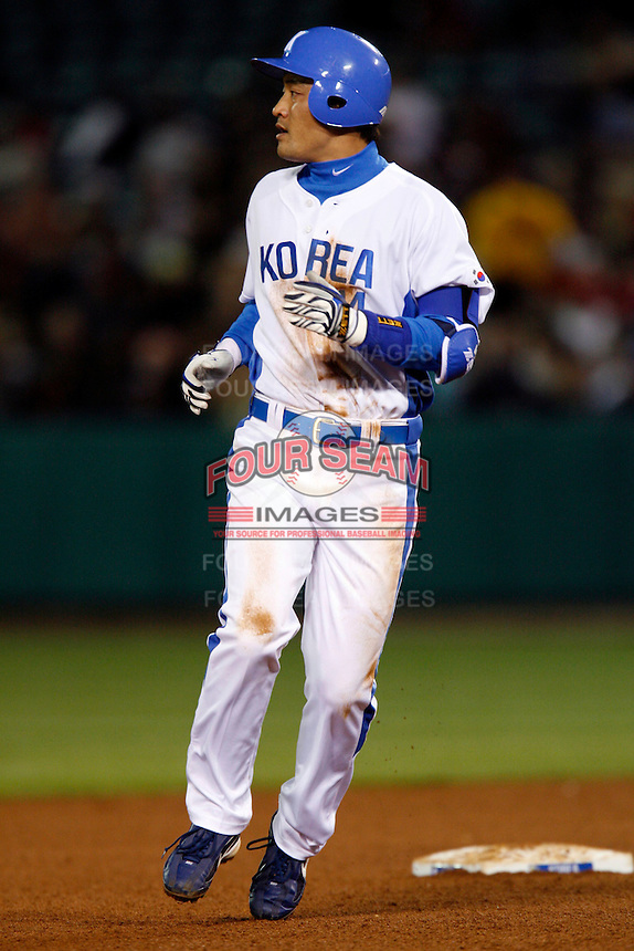 Min-Jae Kim of Korea during the World Baseball Championships at Angel Stadium in Anaheim,California on March 13, 2006. Photo by Larry Goren/Four Seam Images