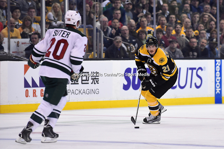 Thursday, November 19, 2015: Boston Bruins left wing Loui Eriksson (21) brings the puck across the neutral zone during the National Hockey League game between the Minnesota Wild and the Boston Bruins held at TD Garden, in Boston, Massachusetts. The Bruins defeat the Wild 4-2. Eric Canha/CSM