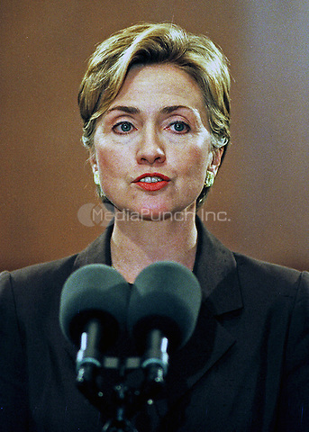 First lady Hillary Rodham Clinton speaks in favor of an increase in the minimum-wage at a Capitol Hill press conference on 28 September, 1999 in Washington, DC.  The press conference was called to discuss a new study by the Economic Policy Institute on the impact a minimum-wage increase would have on working women.<br /> Credit: Ron Sachs / CNP/MediaPunch