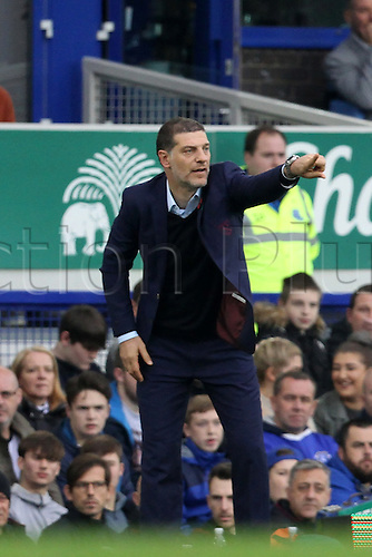 30.10.2016. Goodison Park, Liverpool, England. Premier League Football. Everton versus West Ham United. Slaven Bilic, manager of West Ham United direct his players from the technical area.