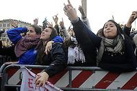 """Roma, 11 Dicembre 2011.Piazza del Popolo.Manifestazione delle donne per la partecipazione femminile in politica e economia..Da """"Se non ora quando?"""" a """"Se non ora chi?"""".Le fans di Emma Marrone"""