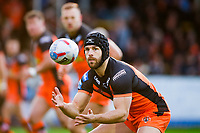 Picture by Alex Whitehead/SWpix.com - 27/04/2018 - Rugby League - Betfred Super League - Castleford Tigers v Wakefield Trinity - Mend-A-Hose Jungle, Castleford, England - Castleford's Luke Gale in action.
