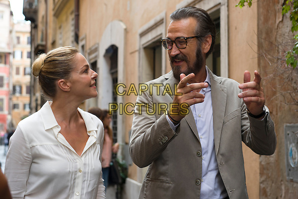 Claudia Gerini, Marco Giallini<br /> in Tutta colpa di Freud (2014) <br /> *Filmstill - Editorial Use Only*<br /> CAP/NFS<br /> Image supplied by Capital Pictures