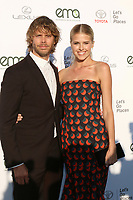 LOS ANGELES - SEP 23:  Eric Christian Olsen, Sarah Wright Olsen at the 27th Environmental Media Awards at the Barker Hangaer on September 23, 2017 in Santa Monica, CA