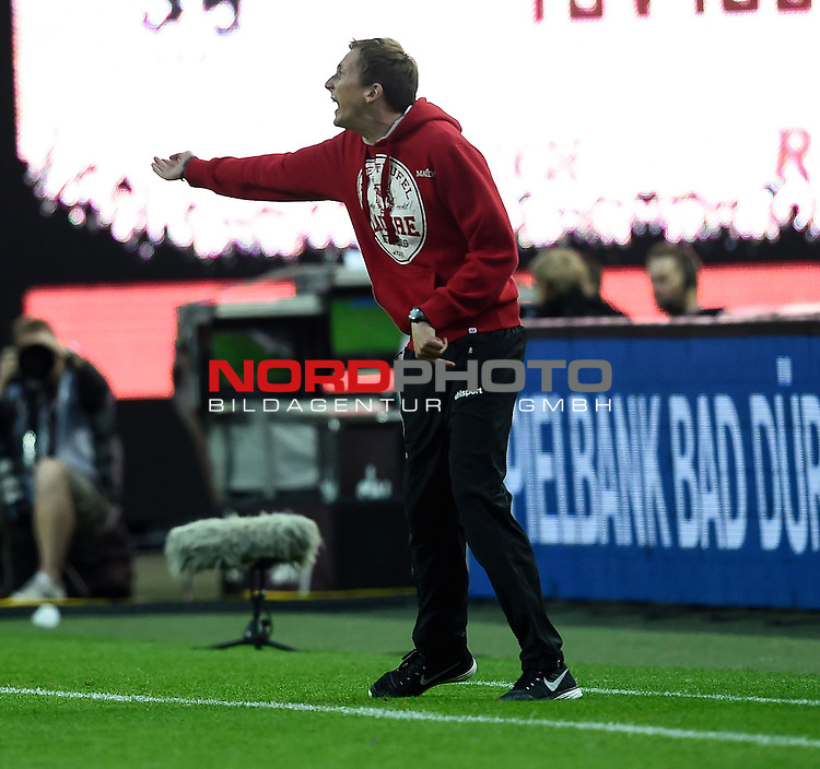2. Liga  2015/2016, 10. Spieltag Hinrunde, 1. FC Kaiserslautern vs. Fortuna D&uuml;sseldorf<br /> Trainer Konrad F&uuml;nfst&uuml;ck (Kaiserslautern)<br /> <br /> <br /> Foto &copy; nordphoto /  Bratic