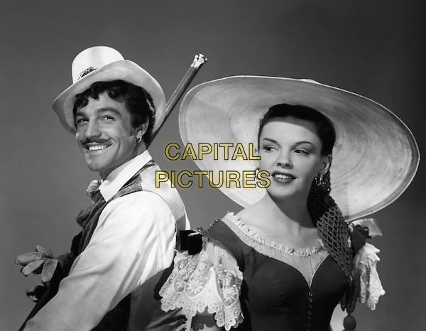 Gene Kelly & Judy Garland.in The Pirate.*Filmstill - Editorial Use Only*.CAP/PLF.Supplied by Capital Pictures.