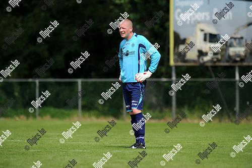 2013-07-15 / Voetbal / seizoen 2013-2014 / Rapid Leest - Hoogstraten VV / Ben Van Bael<br /><br />Foto: Mpics.be