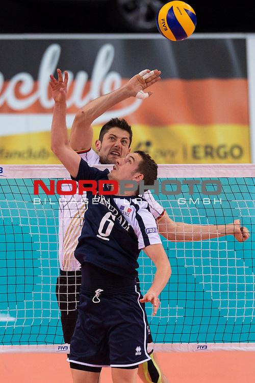 08.06.2014, Porsche Arena, Stuttgart<br /> Volleyball, World League 2014, Deutschland vs. Frankreich<br /> <br /> Michael Andrei (#18 GER) - Benjamin Toniutti (#6 FRA)<br /> <br />   Foto &copy; nordphoto / Kurth