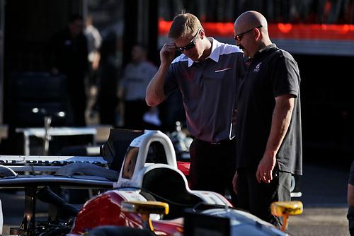 26-27 February, 2016, Avondale, Arizona USA<br /> Andretti garage, crewman working with Honda engineers on Carlos Munoz' car ©2016, Phillip Abbott<br /> LAT Photographic