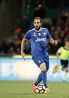 Calcio, Serie A: Napoli, stadio San Paolo, 2 aprile, 2017.<br /> Juventus Gonzalo Higuain in action during the Italian Serie A football match between Napoli and Juventus at San Paolo stadium, April 2, 2017<br /> UPDATE IMAGES PRESS/Isabella Bonotto