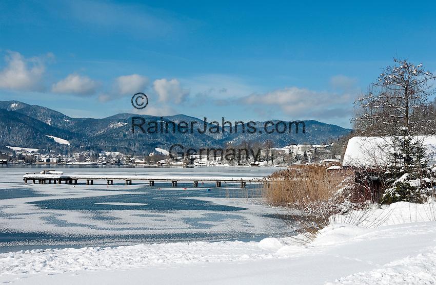 Germany, Bavaria, Upper Bavaria, Tegernseer Valley, Winter at Lake Tegern