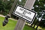 Arnhem -  Niet bellen bij werkzaamheden. Greenkeeping.Rosendaelsche Golfclub.