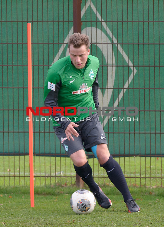 06.11.2013, Trainingsgelaende, Bremen, GER, 1.FBL, Training Werder Bremen, im Bild Philipp Bargfrede (Bremen #44)<br /> <br /> Foto &not;&copy; nph / Frisch
