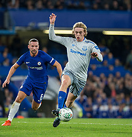 Tom Davies of Everton moves past Danny Drinkwater of Chelsea during the Carabao Cup round of 16 match between Chelsea and Everton at Stamford Bridge, London, England on 25 October 2017. Photo by Andy Rowland.