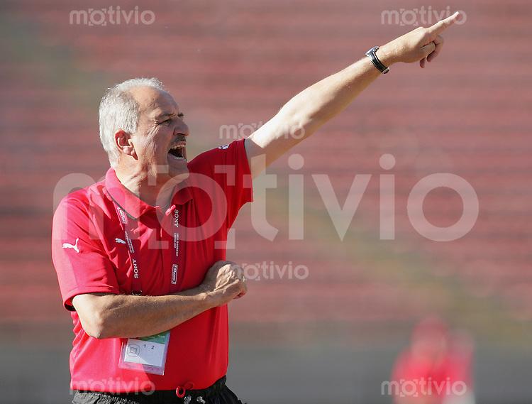 Fussball International U 20 WM  Kongo vs Austria Trainer Paul GLUDOVATZ (AUT).