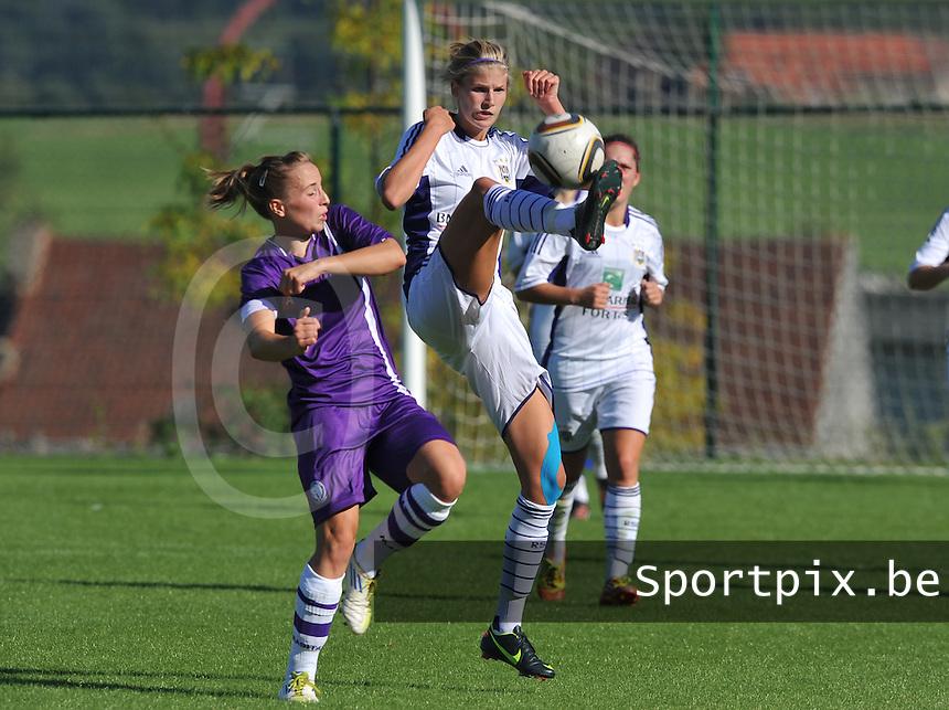 RSC Anderlecht Dames - Beerschot AC : duel tussen Justine Vanhaevermaet en Lim De Vetter.foto DAVID CATRY /  Vrouwenteam.be.
