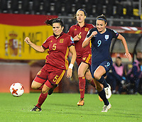 20170723 - BREDA , NETHERLANDS : English Jodie Taylor (R) with Spanish Irene Paredes (M) and Andrea Pereira (L)  pictured during the female soccer game between England and Spain  , the second game in group D at the Women's Euro 2017 , European Championship in The Netherlands 2017 , Sunday 23 th June 2017 at Stadion Rat Verlegh in Breda , The Netherlands PHOTO SPORTPIX.BE | DIRK VUYLSTEKE