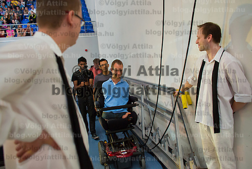 Nick Vujicic born without legs and arms prepares his speech about hope in Budapest, Hungary on April 18, 2013. ATTILA VOLGYI