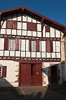 Europe/France/Aquitaine/64/Pyrénées-Atlantiques/Pays-Basque/Ainhoa: Maisons labourdines du village - Maison Gorritia