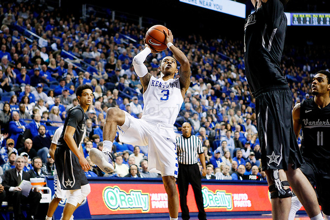 UK guard, Tyler Ulis, shoots for 2 during the game against Vanderbilt at Rupp Arena in Lexington, Ky. on Saturday, January 23, 2016. Photo by Josh Mott | Staff.