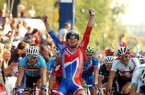 25.09.2011 Copenhagen, Denmark. Mark Cavendish (GBR) wins the men's elite road race at the UCI World Championships
