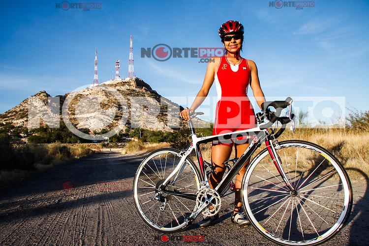 Nanci Molina Cuevas de 14 años en el Cerro de la Campana de Hermosillo.<br /> Triatlon