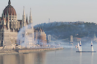 0708193983a Red Bull Air Race international air show qualifying runs over the river Danube, Budapest preceding the anniversary of Hungarian state foundation. Hungary. Sunday, 19. August 2007. ATTILA VOLGYI