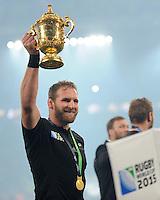 Kieran Read of New Zealand lifts the Webb Ellis trophy as New Zealand celebrate winning the Rugby World Cup Final between New Zealand and Australia - 31/10/2015 - Twickenham Stadium, London<br /> Mandatory Credit: Rob Munro/Stewart Communications