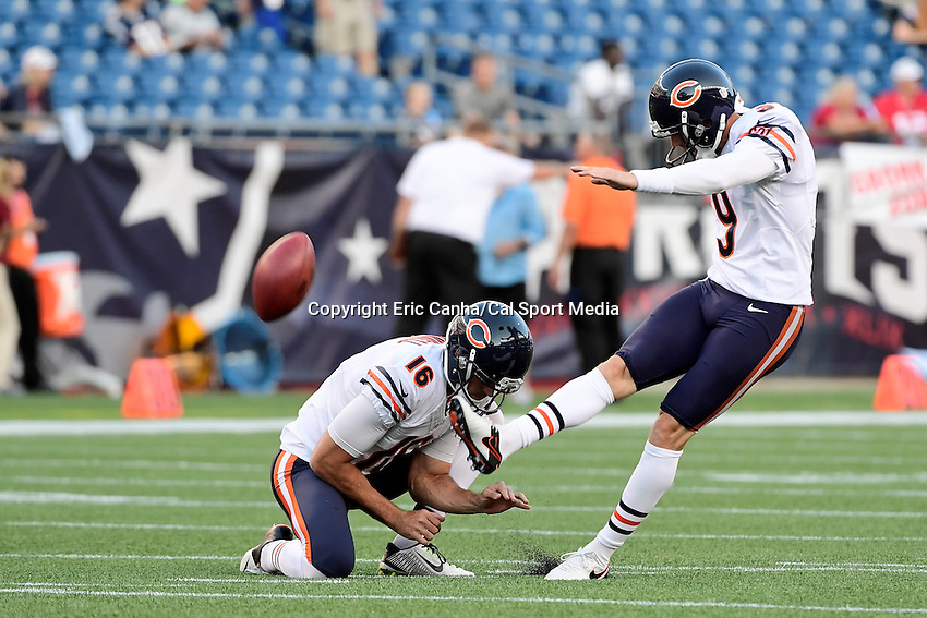 Thursday, August 18 2016: Chicago Bears punter Pat O'Donnell (16) and kicker Robbie Gould (9) warm up before a pre-season NFL game between the Chicago Bears and the New England Patriots held at Gillette Stadium in Foxborough Massachusetts. The Patriots defeat the Bears 23-22 in regulation time. Eric Canha/Cal Sport Media