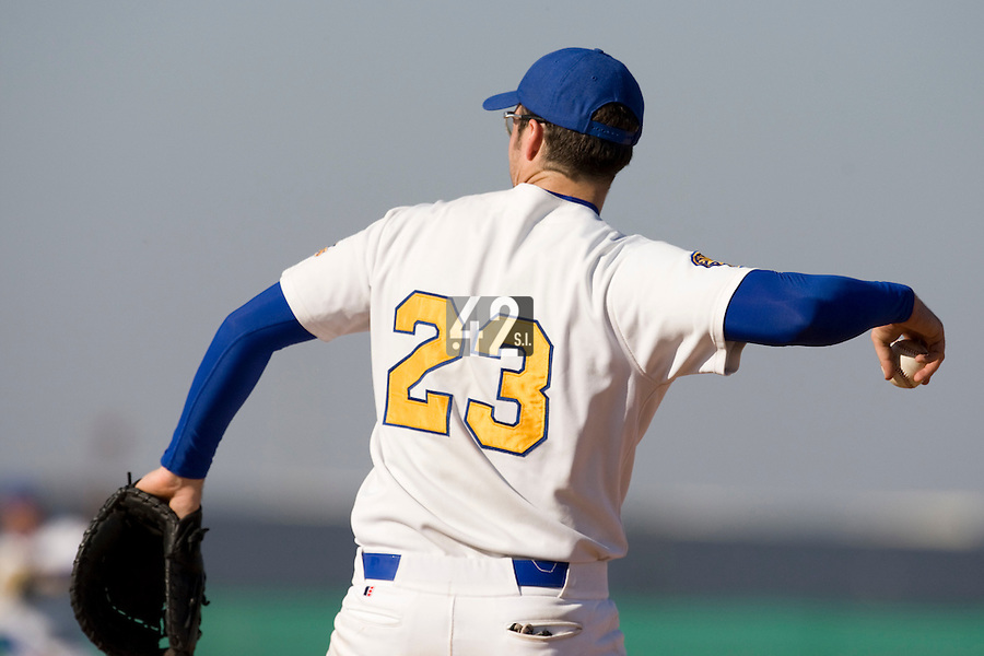 11 Oct 2008: Ian Young is seen at first base during game 1 of the french championship finals between Templiers (Senart) and Huskies (Rouen) in Chartres, France. The Templiers win 5-2 over the Huskies