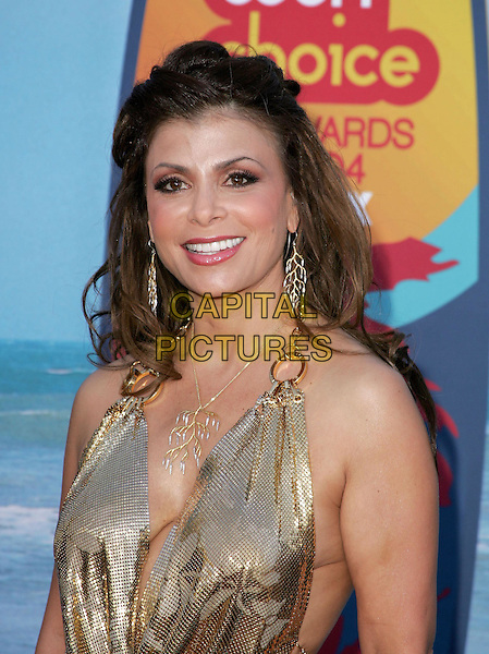 PAULA ABDUL.The 2004 Teen Choice Awards held at The Universal Ampitheatre in Universal City, California .August 8, 2004.headshot, portrait, plunging neckline, cleavage, gold.www.capitalpictures.com.sales@capitalpictures.com.Supplied By Capital Pictures