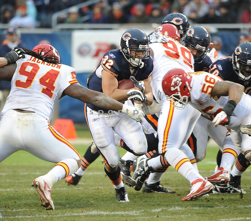 KAHLIL BELL, of the Chicago Bears, in action during the Bears game against the Kansas City Chiefs, on December 4, 2011, at Soldier Field in Chicago, IL. Kansas City beat Chicago 10-3.