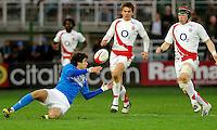 Photo: Omega/Richard Lane Photography. Italy v England. RBBS Six Nations. 10/02/2008. Italy's Andrea Marcato passes.