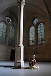 ETUDE POUR LA SAINTETE..Chorégraphie et interprétation : Erika DI CRESCENZO..Organiste : Marco Cortinovis..Voix : Anne Rodier ..Compagnie : La Bagarre..Lieu: Fondation Royaumont..Ville : Asnières sur Oise..le 09/10/2011..© Laurent Paillier / photosdedanse.com..All rights reserved