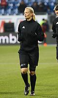 Schiedsrichterin Bibiana Steinhaus - 21.02.2018: SV Darmstadt 98 vs. 1. FC Kaiserslautern, Stadion am Boellenfalltor, 2. Bundesliga