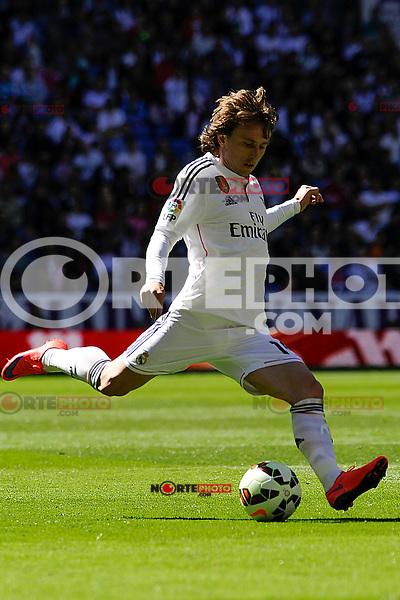 Real Madrid´s Luka Modric during 2014-15 La Liga match between Real Madrid and Granada at Santiago Bernabeu stadium in Madrid, Spain. April 05, 2015. (ALTERPHOTOS/Luis Fernandez) /NORTEphoto.com